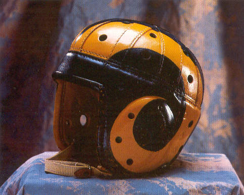 Cleveland Rams - erster bemalter Helm