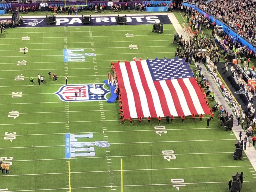 Nationalhymnen beim Super Bowl - Pink
